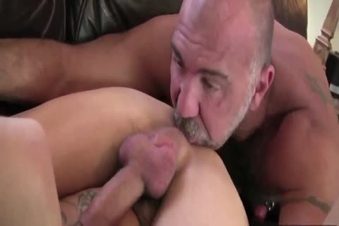 DADDY TRAINS YOUR anal WITH HIS big knob